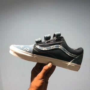 d0c7ac0397a ... Blue suede white stitch old skool Velcro ...